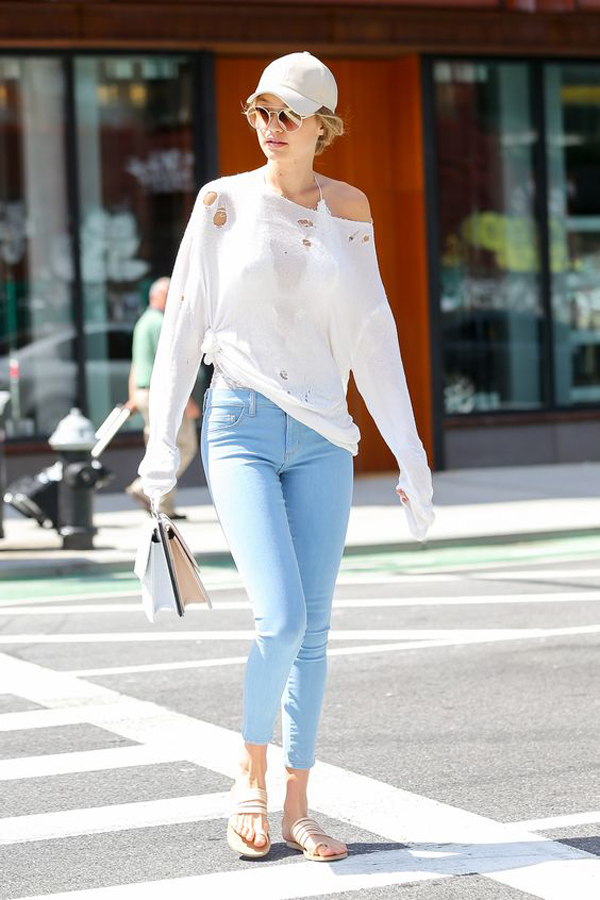 35 Best Gigi Hadid Street Style With Casual Looks