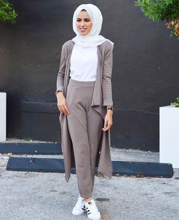 cool-hijab-street-style-with-adidas-shoes