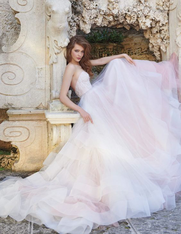 25 Timeless And Classic Ball Gown Wedding Dresses