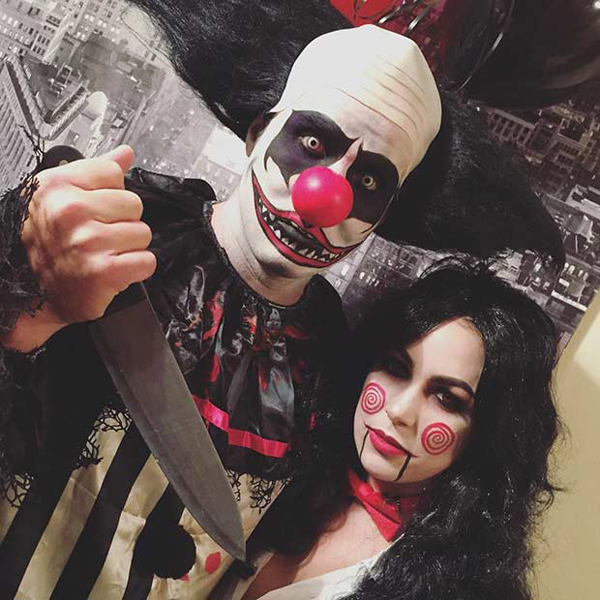 25 Super Crazy Halloween Costumes For Compact Couples
