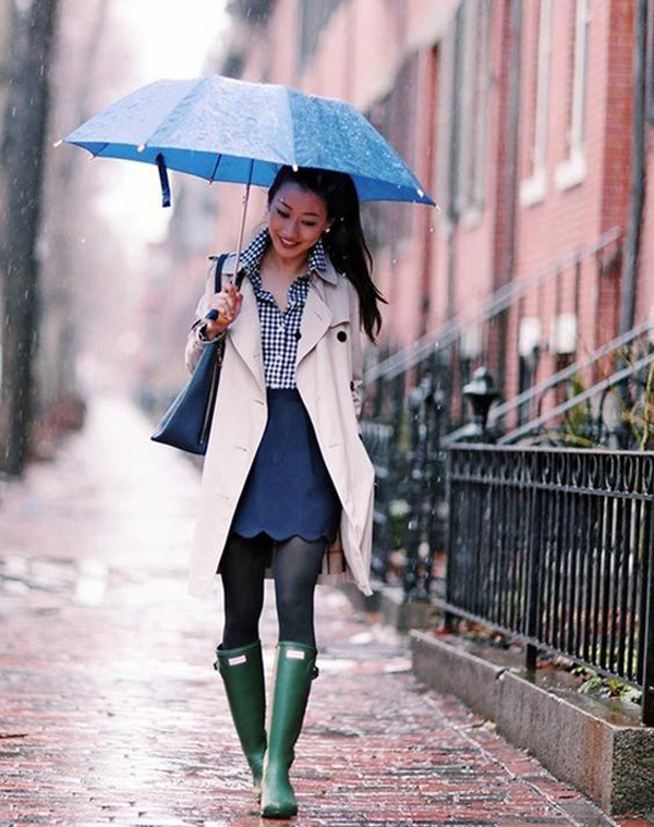 22 Warm And Stylish Rainy Day Outfits You Need To Copy