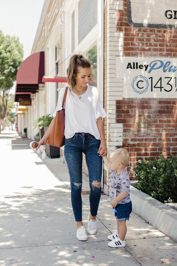 47 Chic And Casual Outfit Ideas For Young Moms Fashionlookstyle