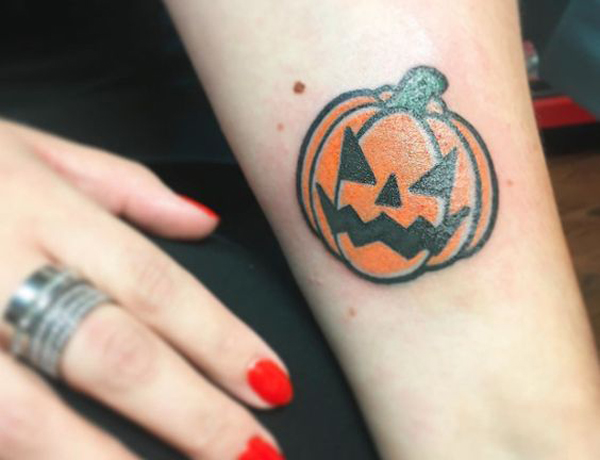 20 Cute And Small Halloween Tattoo Ideas For Girls Fashionlookstyle