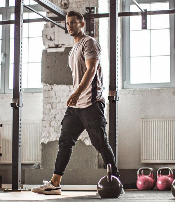 21 Sporty Gym Outfit Ideas That All Men Must Know