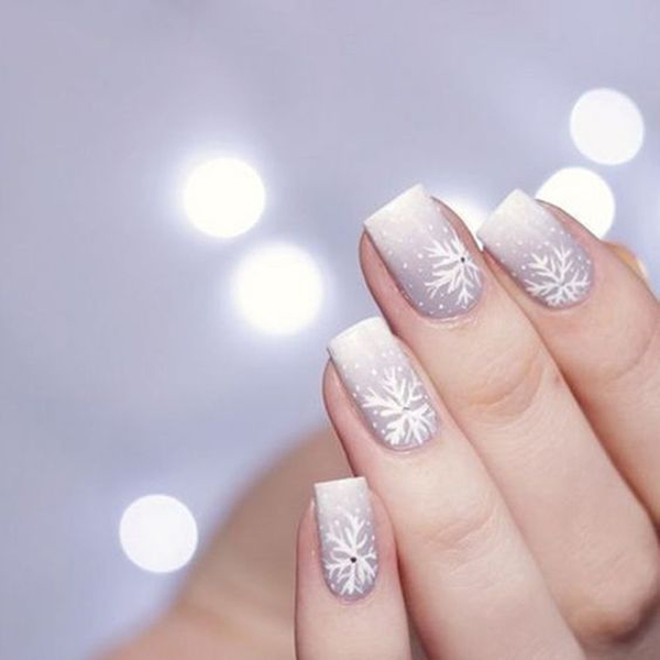 30 Pretty Christmas Nail Ideas That Women Must To Try