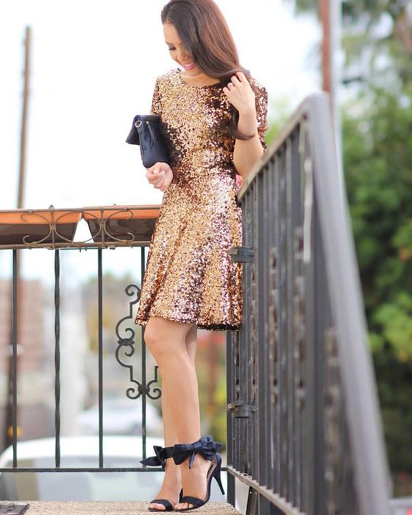 20 Glamorous New Year's Eve Party Outfits With Gold Accents