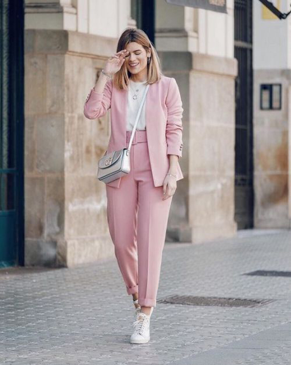20 Elegant Semi-Formal Outfit Ideas For Women