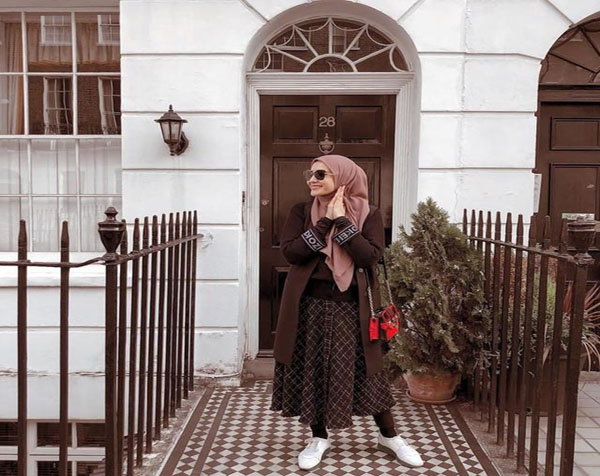 Unique blend style of hijab outfit with ablution leggings