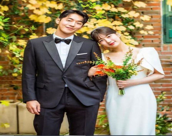 A Simple and Charming Wedding Dress in the Korean Drama Start-up Series